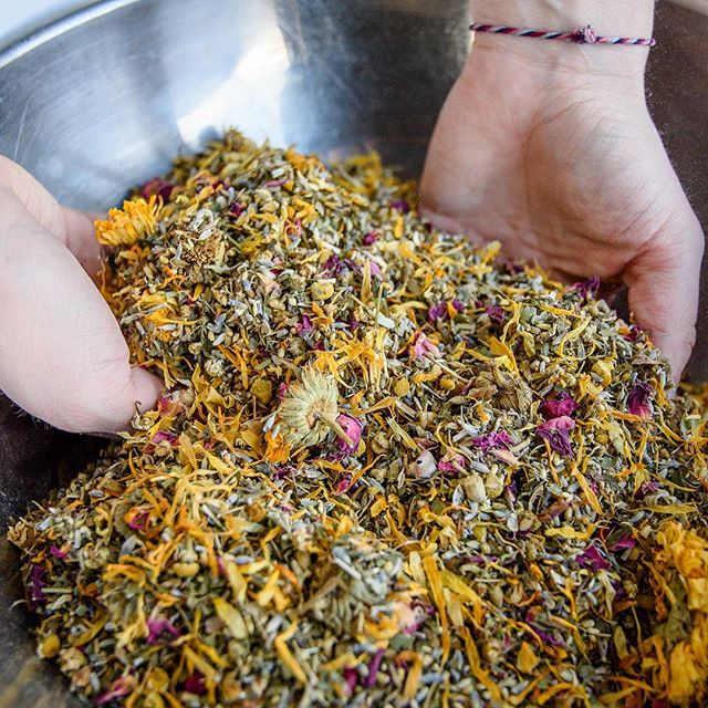 My new therapy because birth workers need herbs too. 🥀 Herbalism is taught in my midwifery school, and even has advanced options, but for now... it is a hobby that I get to SHARE with YOU! Pictured here is me mixing the postpartum herbal sitz bath blend. Oh it smells SO good...and even though I'm not postpartum, I still took a bath just to make sure it was perfect, which it is. 🌿 Check it out here: https://www.thebirthservant.com/products/postpartumherbalsitzbath
