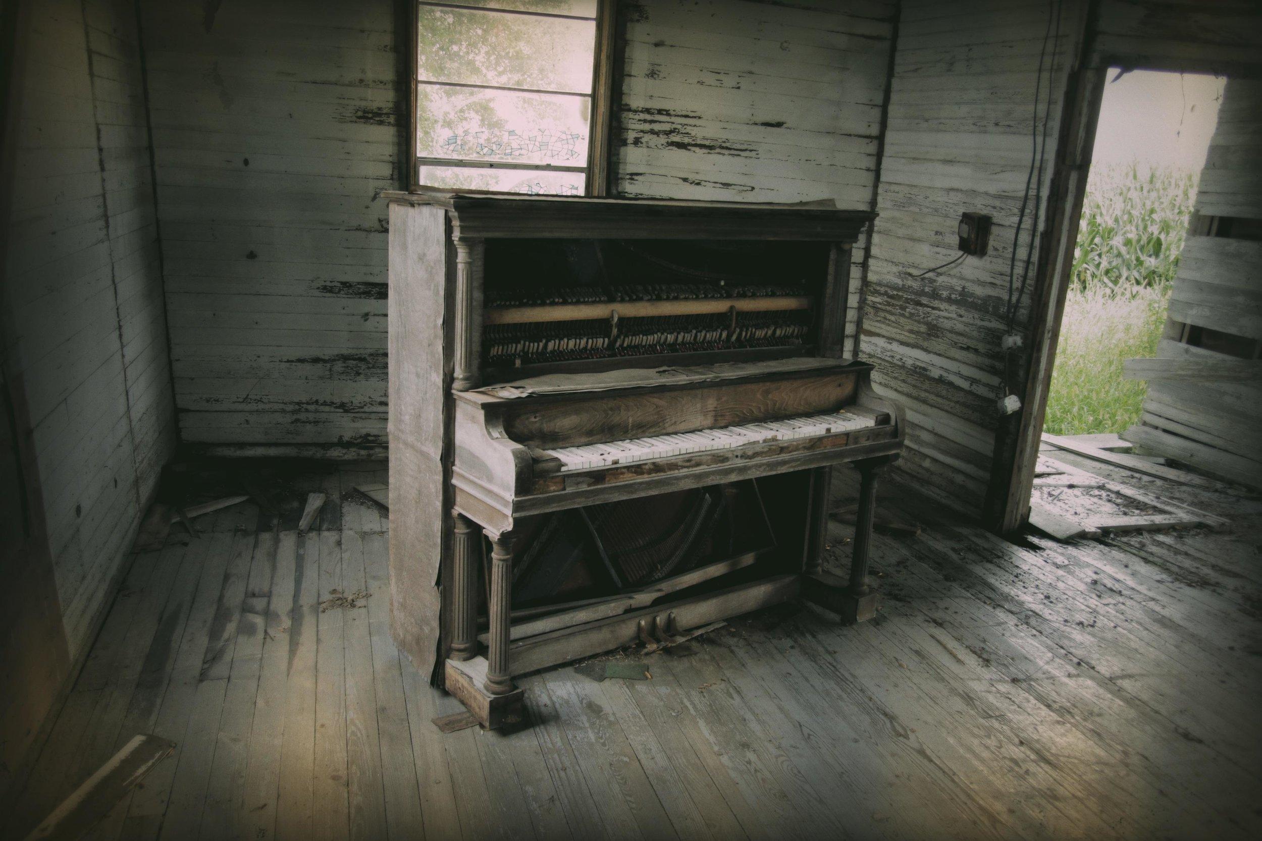 Church Piano3 714.JPG