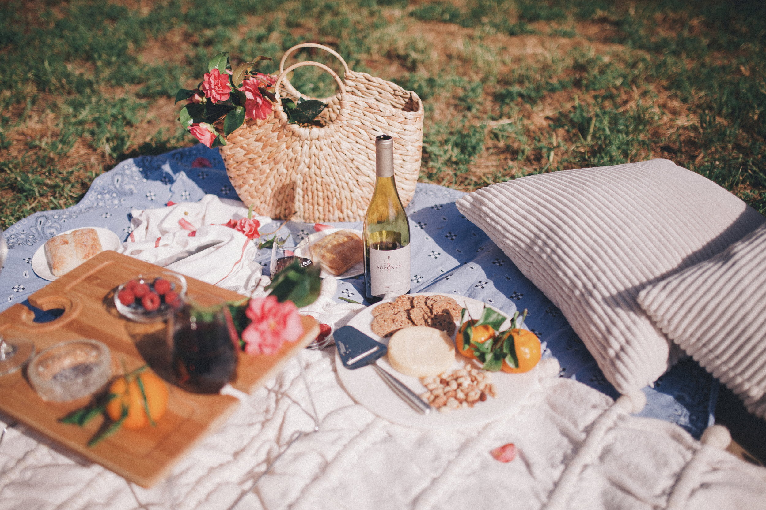 A styled picnic with Acronym Wine. Andrea Grech Design_.jpg