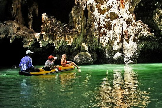 John Gray's Hong - This full-day kayak trip from Phuket starts at midday to avoid the crowds, with a convenient pickup service by luxury air-conditioned minivan from the entire Phuket Island. Don't eat lunch, as you will be served a healthy and nutritious meal onboard .
