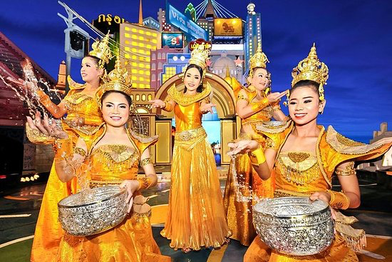 Phuket FantaSea - Immerse yourself in the myths and magic of Thailand at Phuket FantaSea. This cultural theme park showcases the beauty of Thai heritage and welcomes you for an enchanting evening of dining, shopping, and bedazzling entertainment within a stunning 60-acre kingdom.