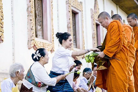 Morning ceremony - Amazing experience and probably the best start of the day.Look at 5-stars rating and read reviews: all of that people woke up around 5.30 am to come!Participation in morning ceremonies in Wat Chalong - the most beautifull temple in Phuket.