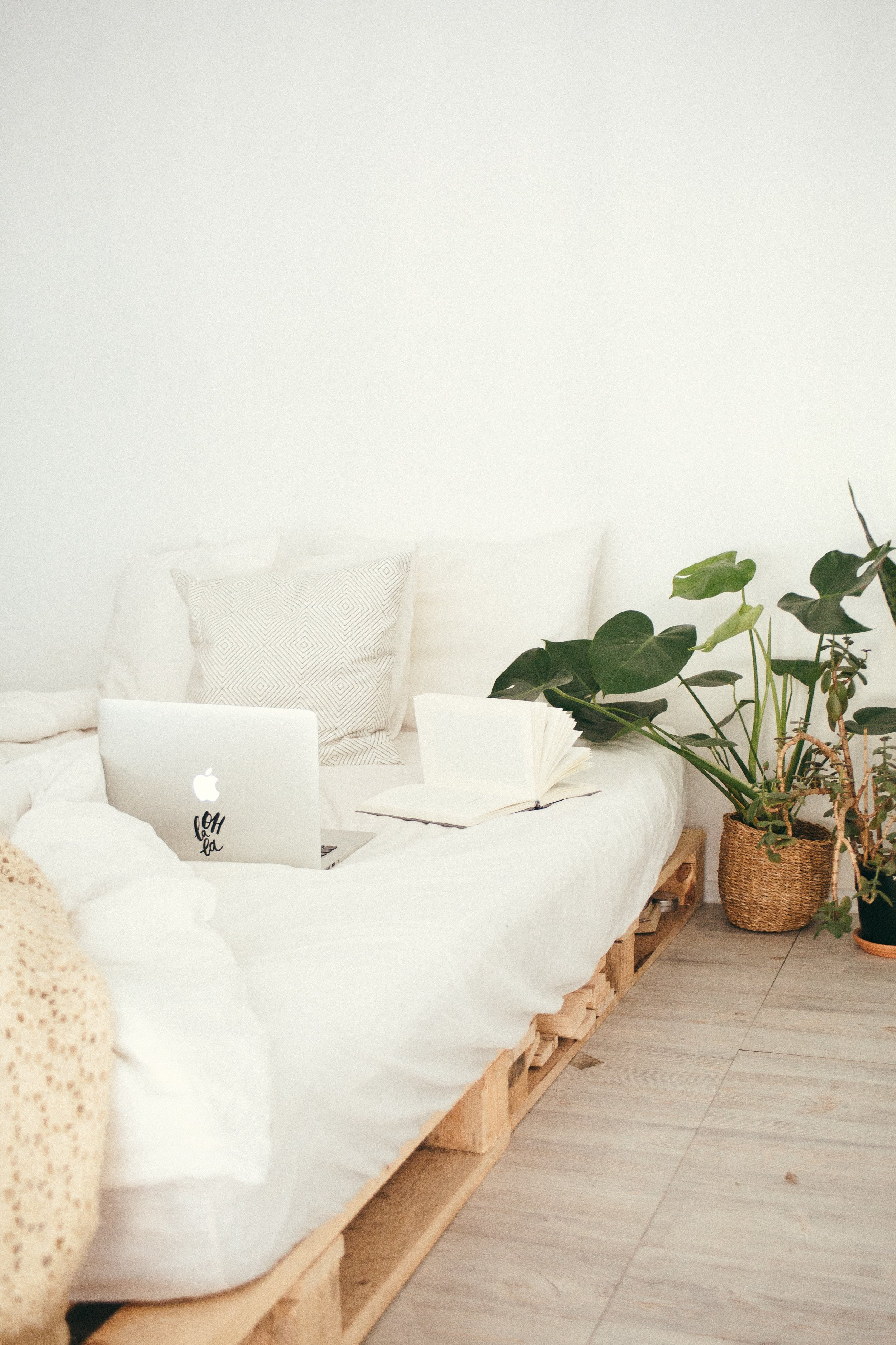 - 10 Places to Find Used Furniture in Toronto