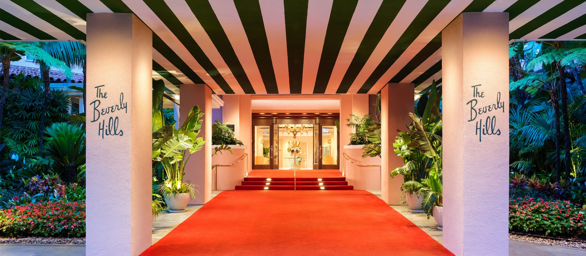 beverly-hills-entrance-red-carpet-landscape-1920x840.jpg