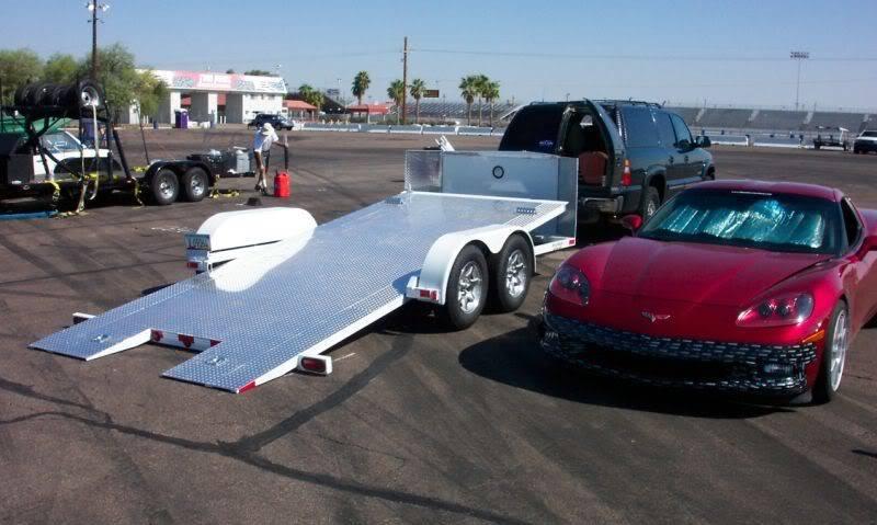 Jim_Glo_tilt_trailer.jpg