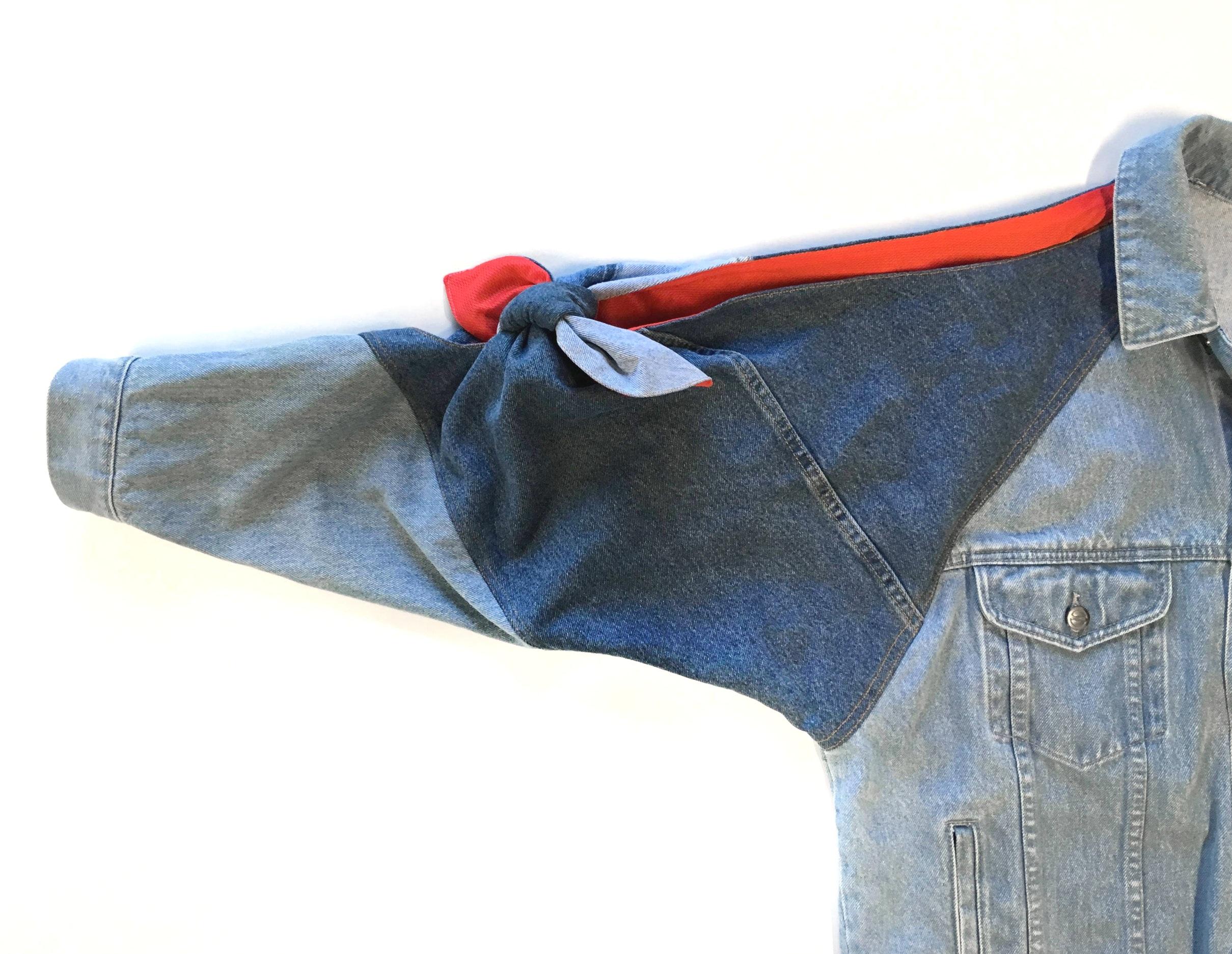 Jacket sleeve twist