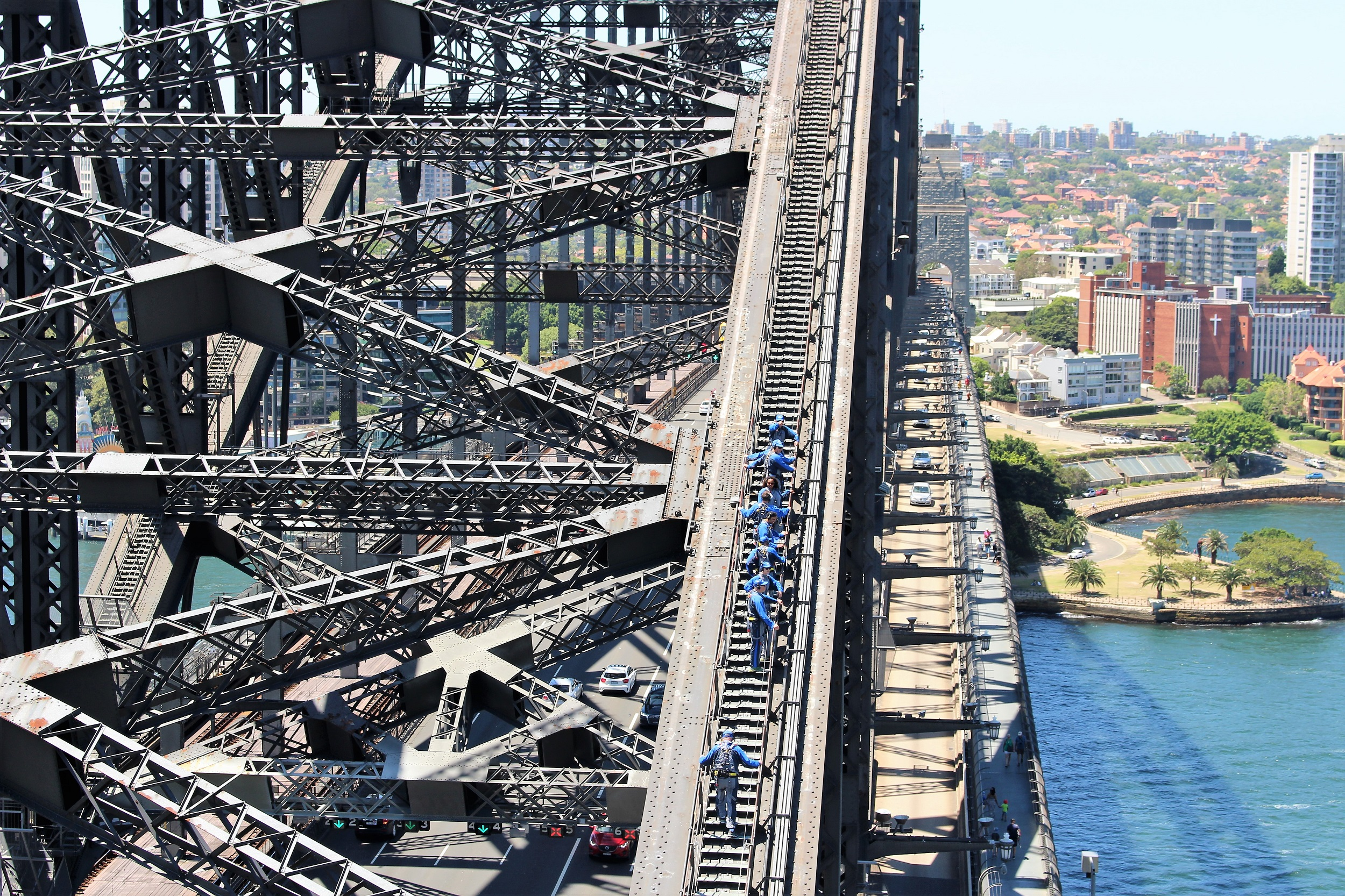 harbourbridgeclimbers.jpg
