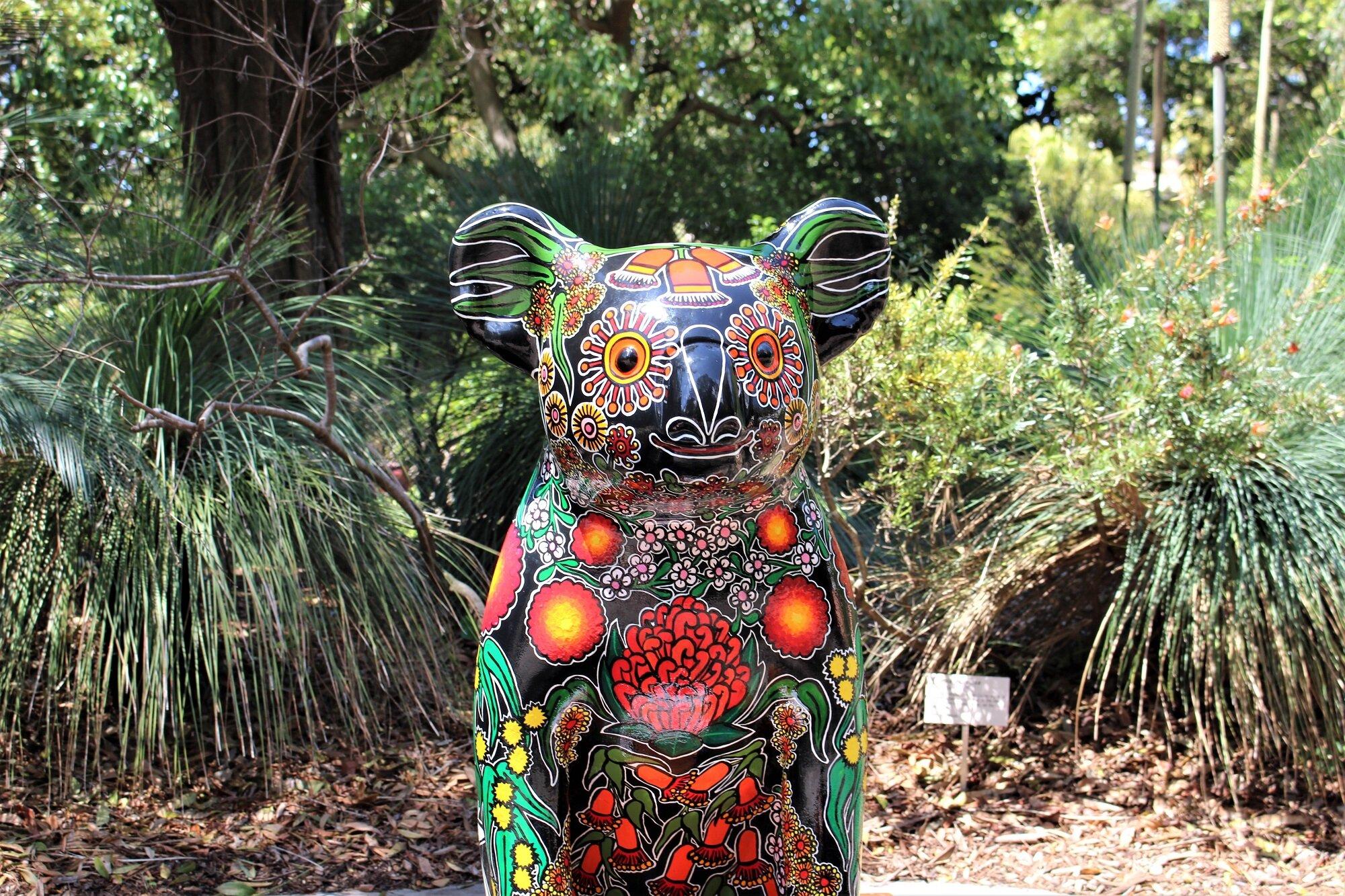 koalasculprbg.jpg