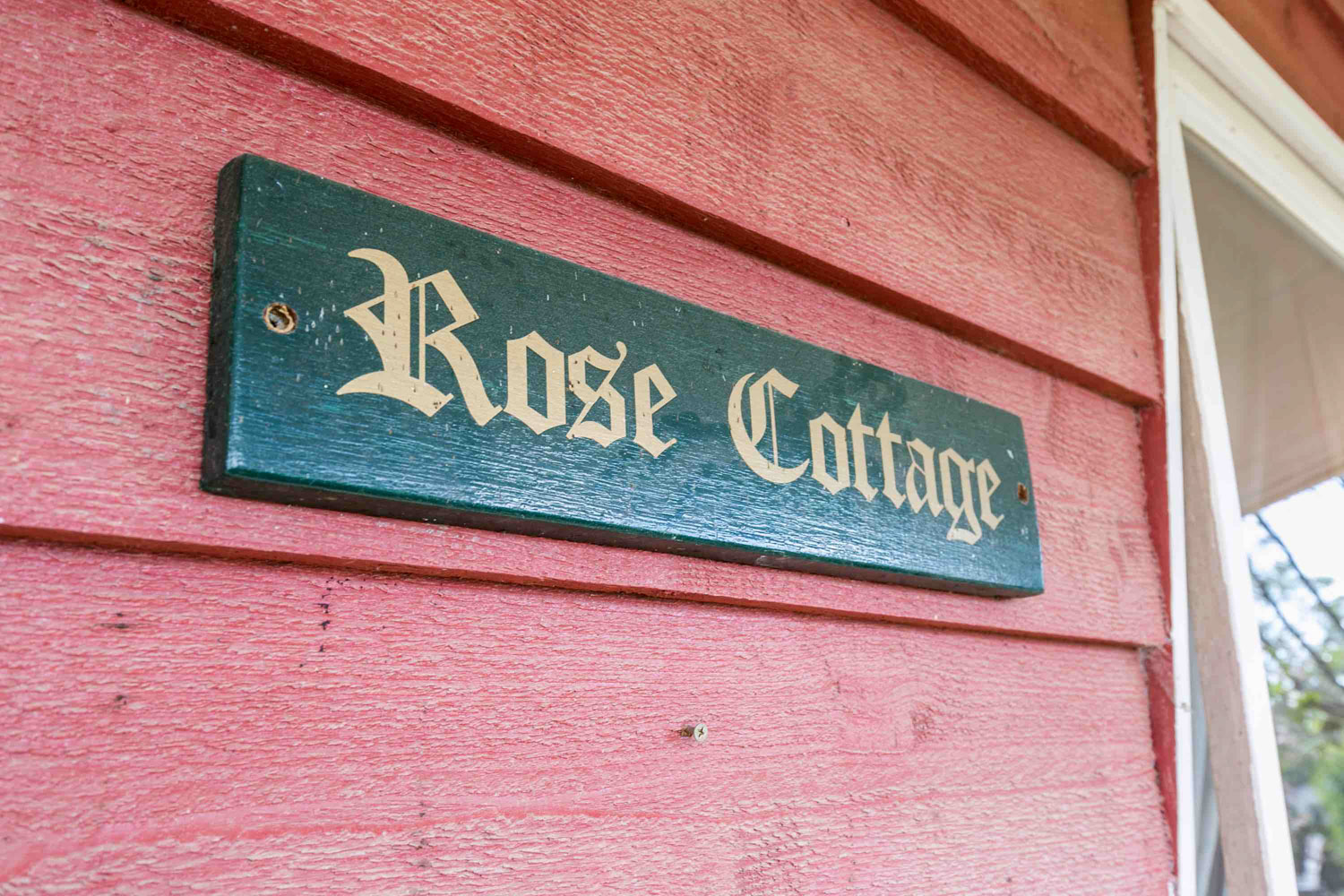 Freshwater Creek Cottages - Rose Cottage - Farmstay - best famiy holidays Victroria - Australia _-3.jpg
