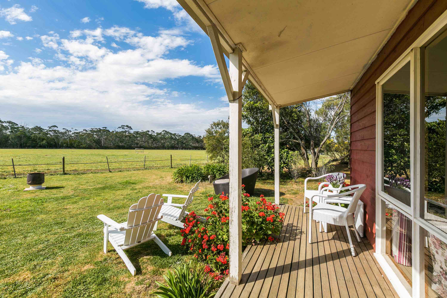 Freshwater Creek Cottages - Rose Cottage - Farmstay - best famiy holidays Victroria - Australia _-2.jpg