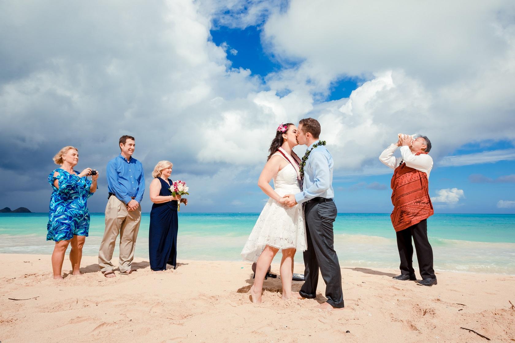 oahu hawaii beach wedding elopement bride groom kiss