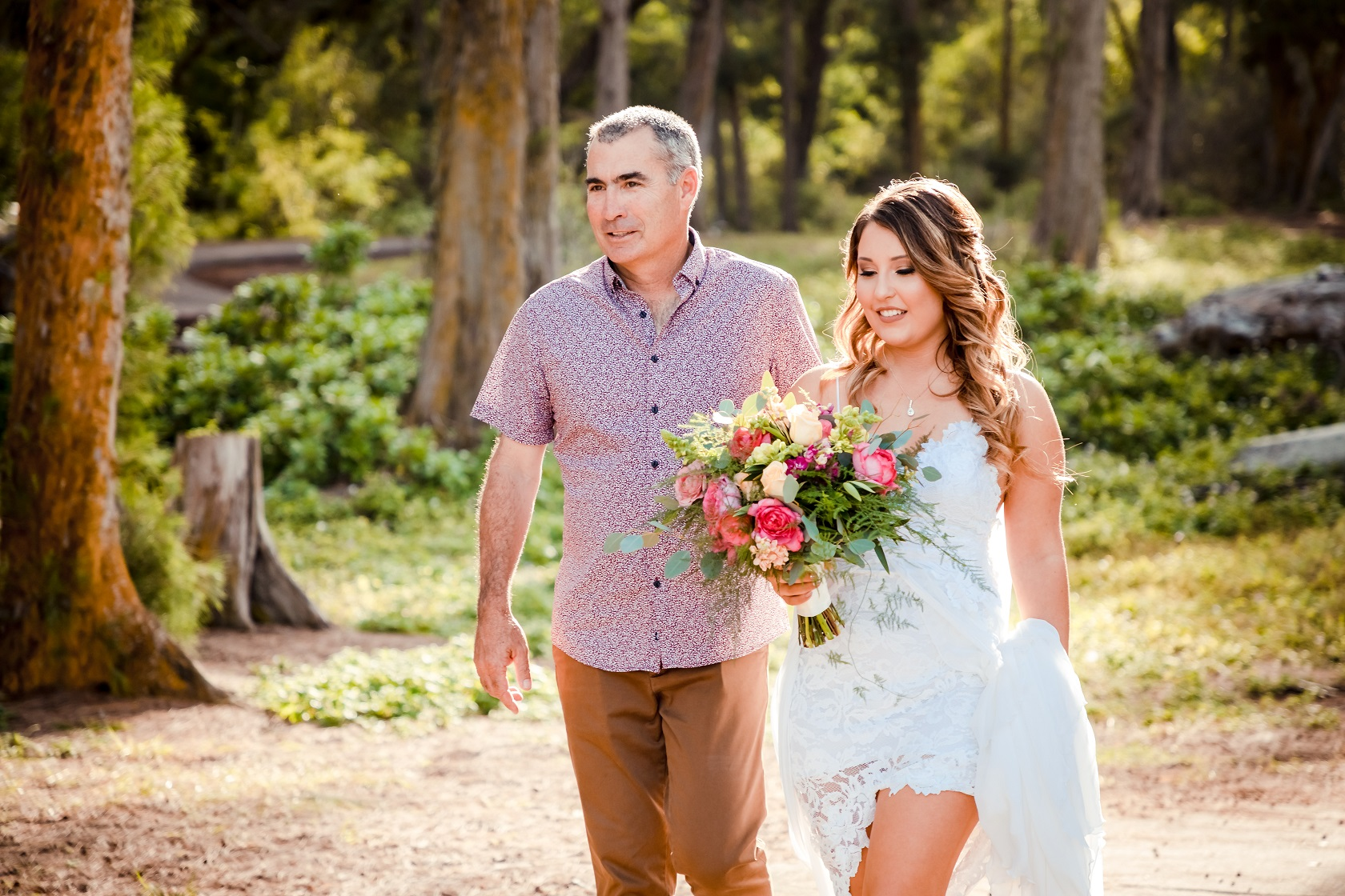 hawaii forest elopement ceremony bride father