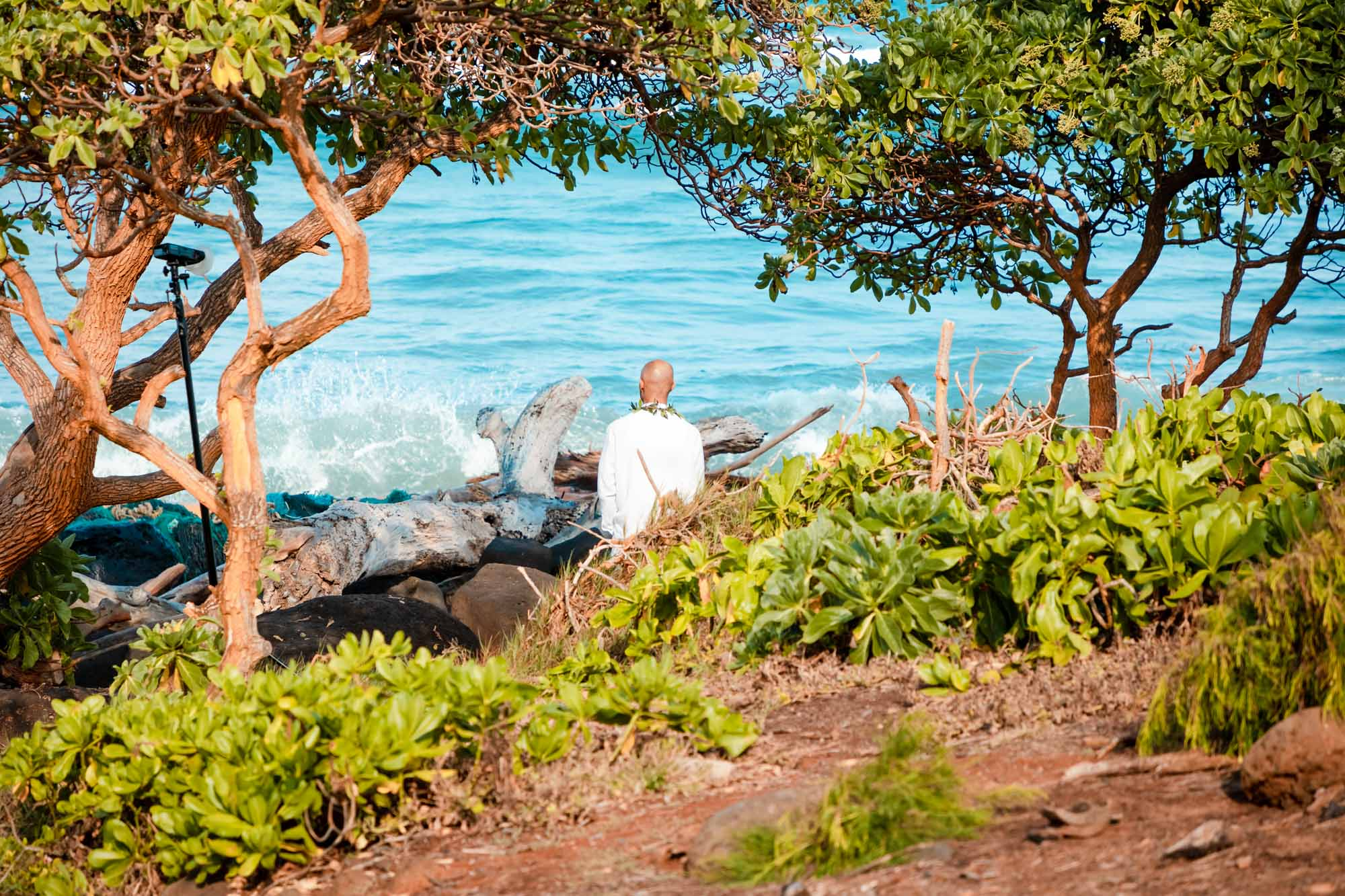 groom waiting for first look of bride kauai hawaii
