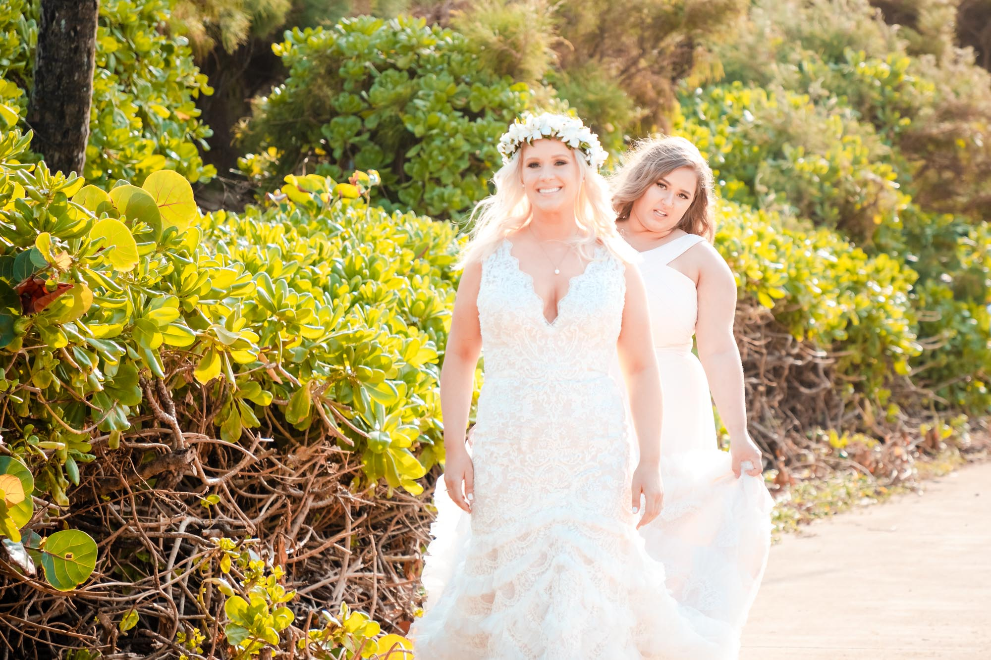 kauai wedding bride with daughter pre ceremony