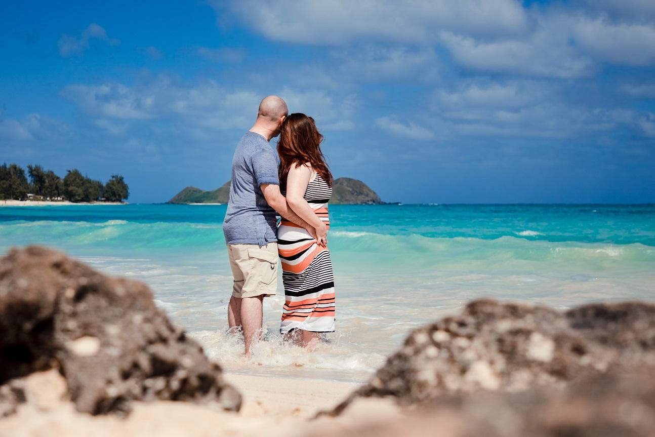 lanikai beach oahu couples portrait proposal engagement