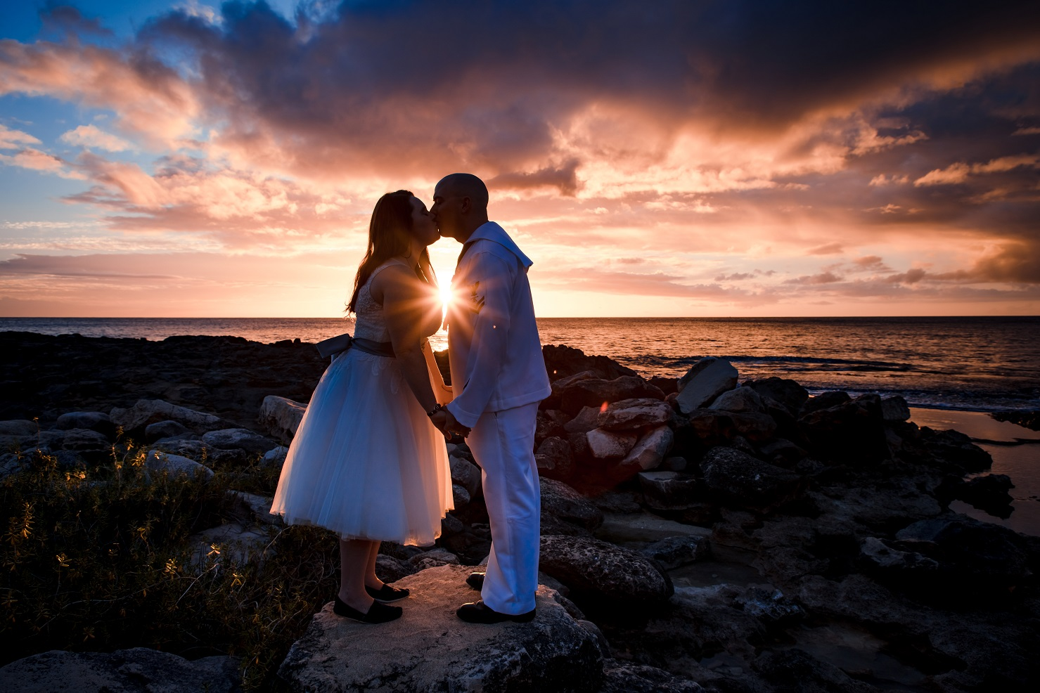 bride and groom sunset silhouette portrait