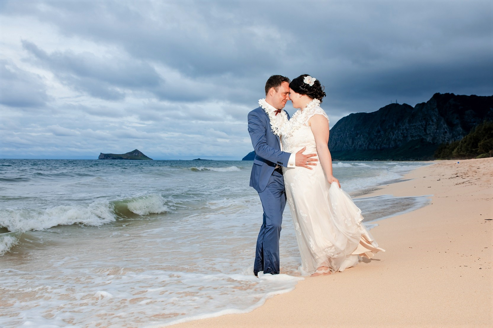 oahu elopement bride and groom sunset beach portrait