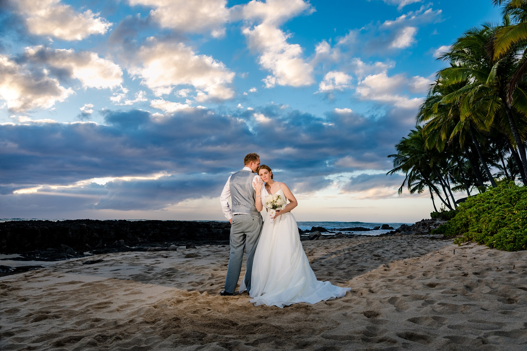 bride groom sunset photo on beach palm trees
