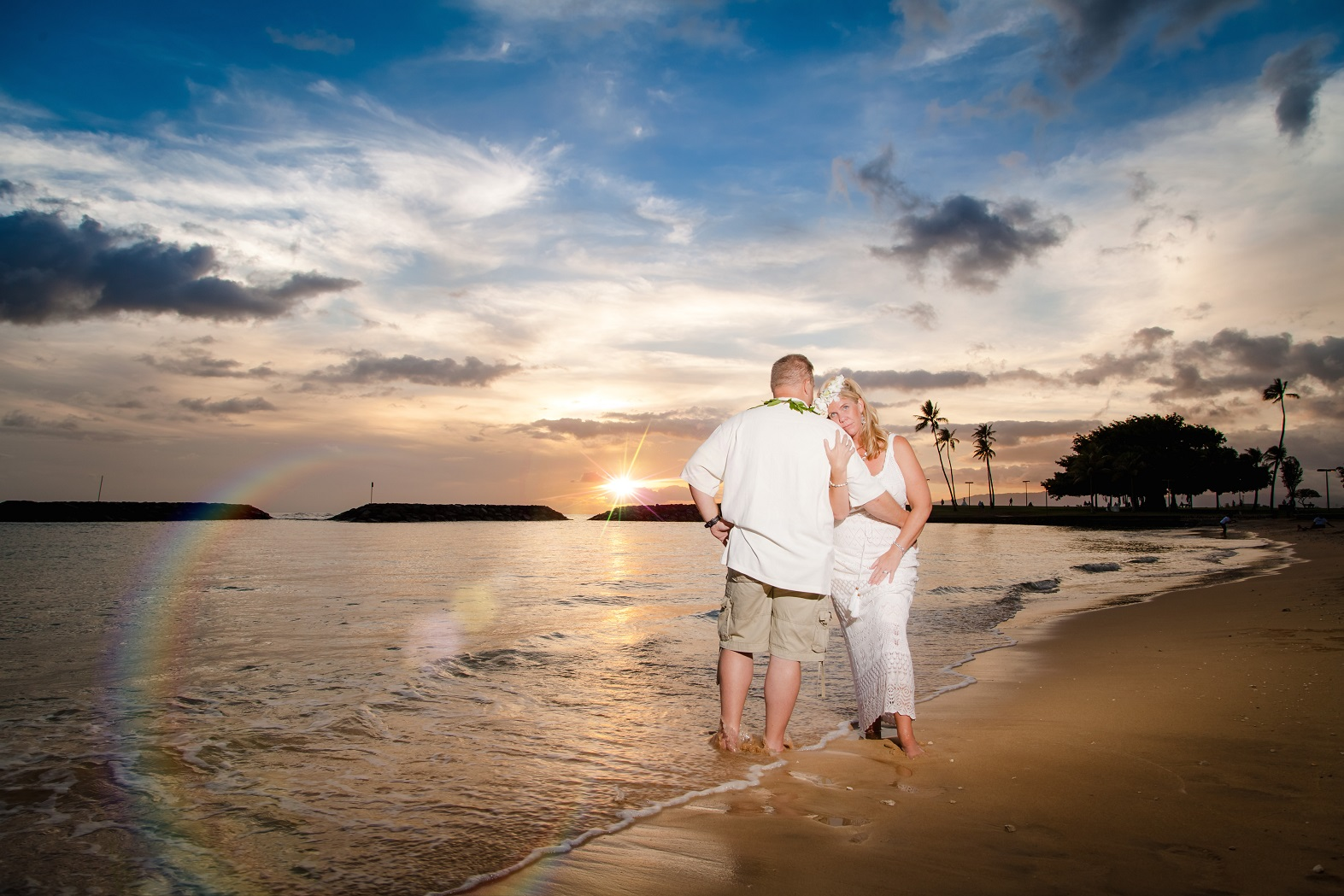 sunset beach wedding bride groom portrait waikiki oahu hawaii