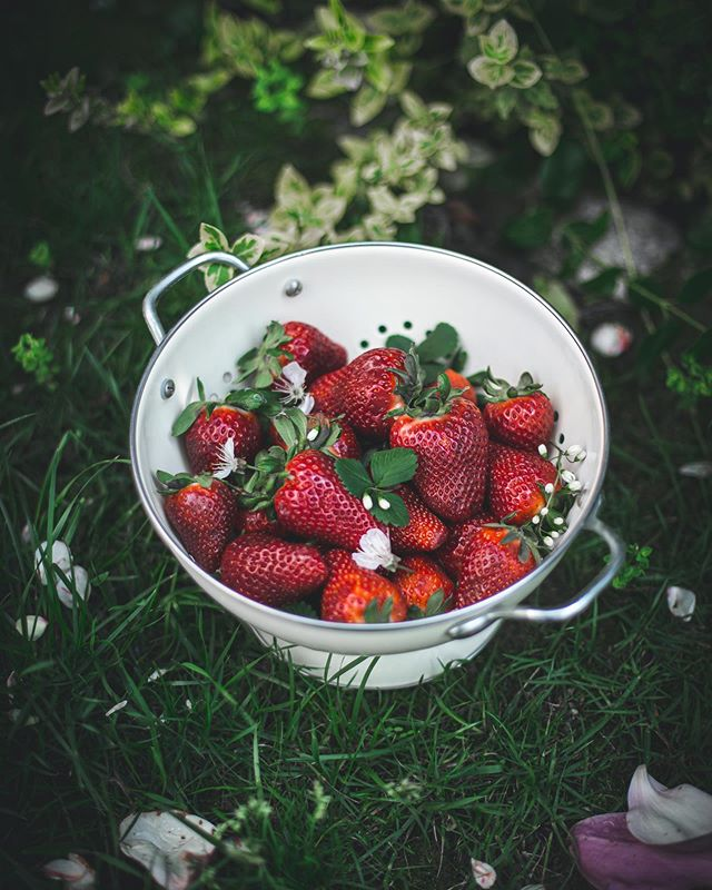 Summer is for giant strawberries 🍓 guess what I'm making with them?