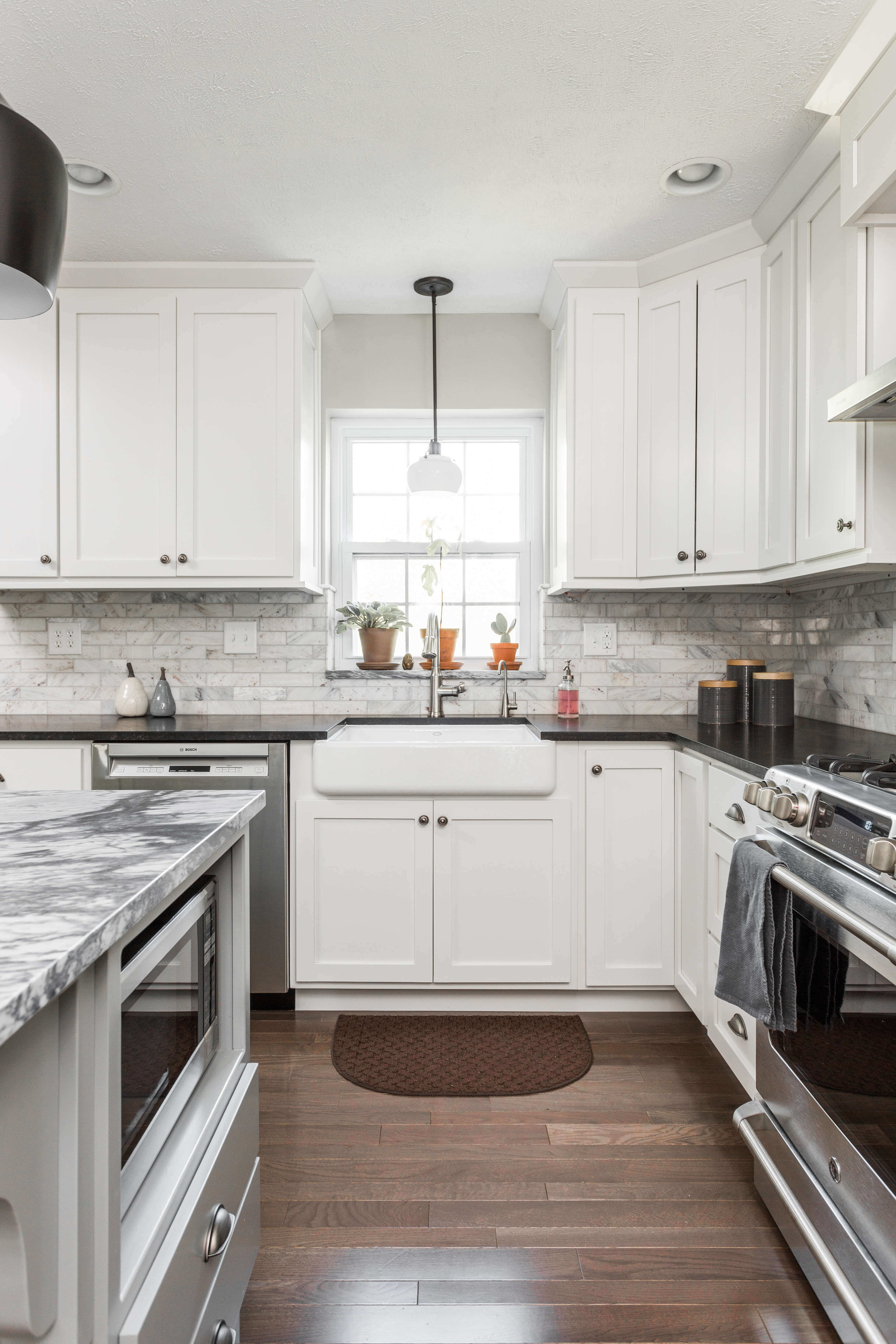 classic andmodern - Kitchen Remodel
