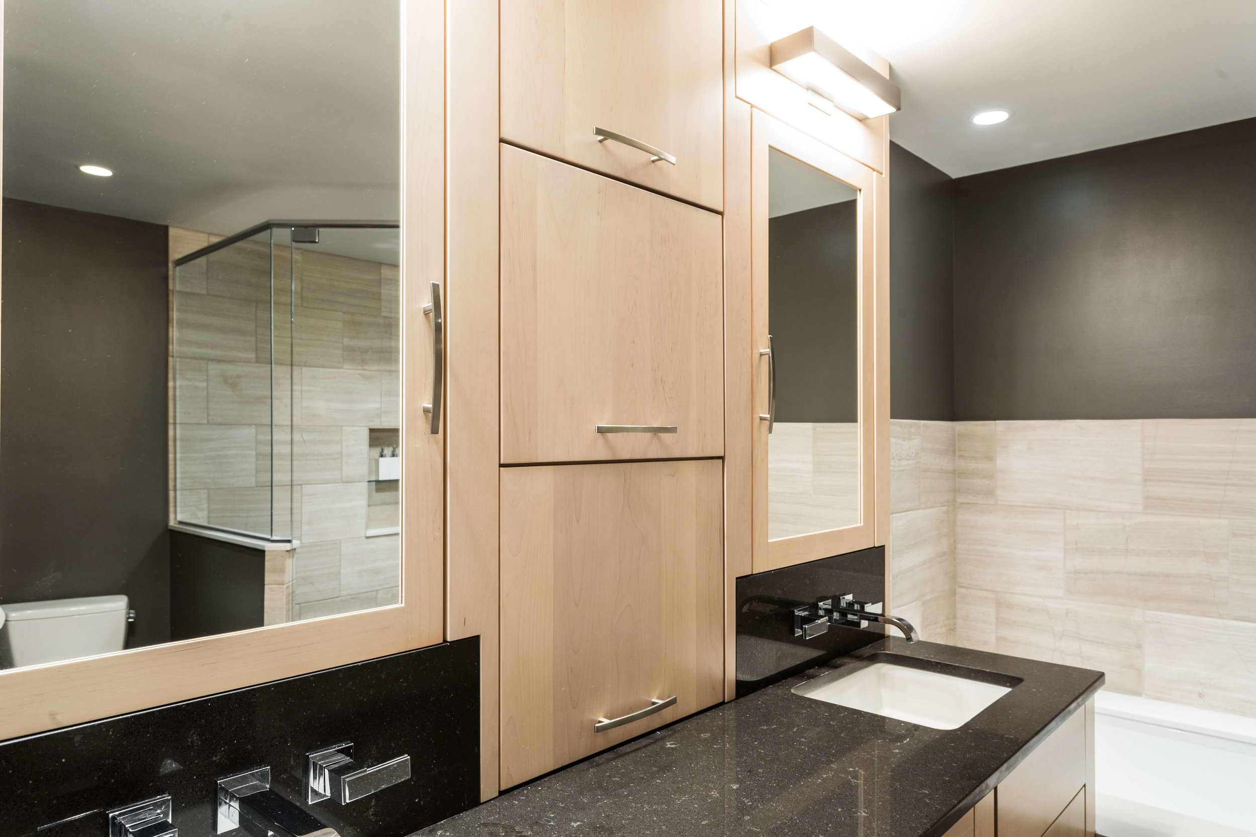 Modern Bathroom-13.jpg