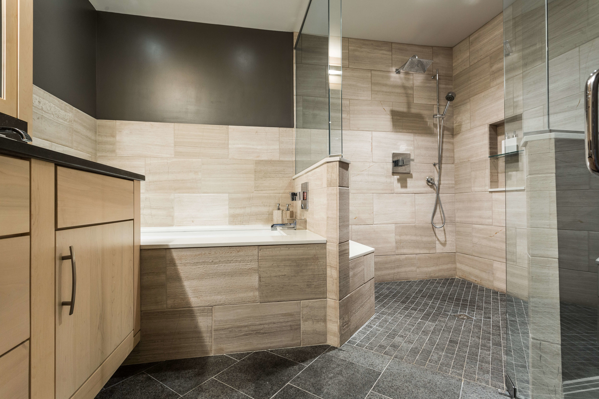 Modern Bathroom-7.jpg