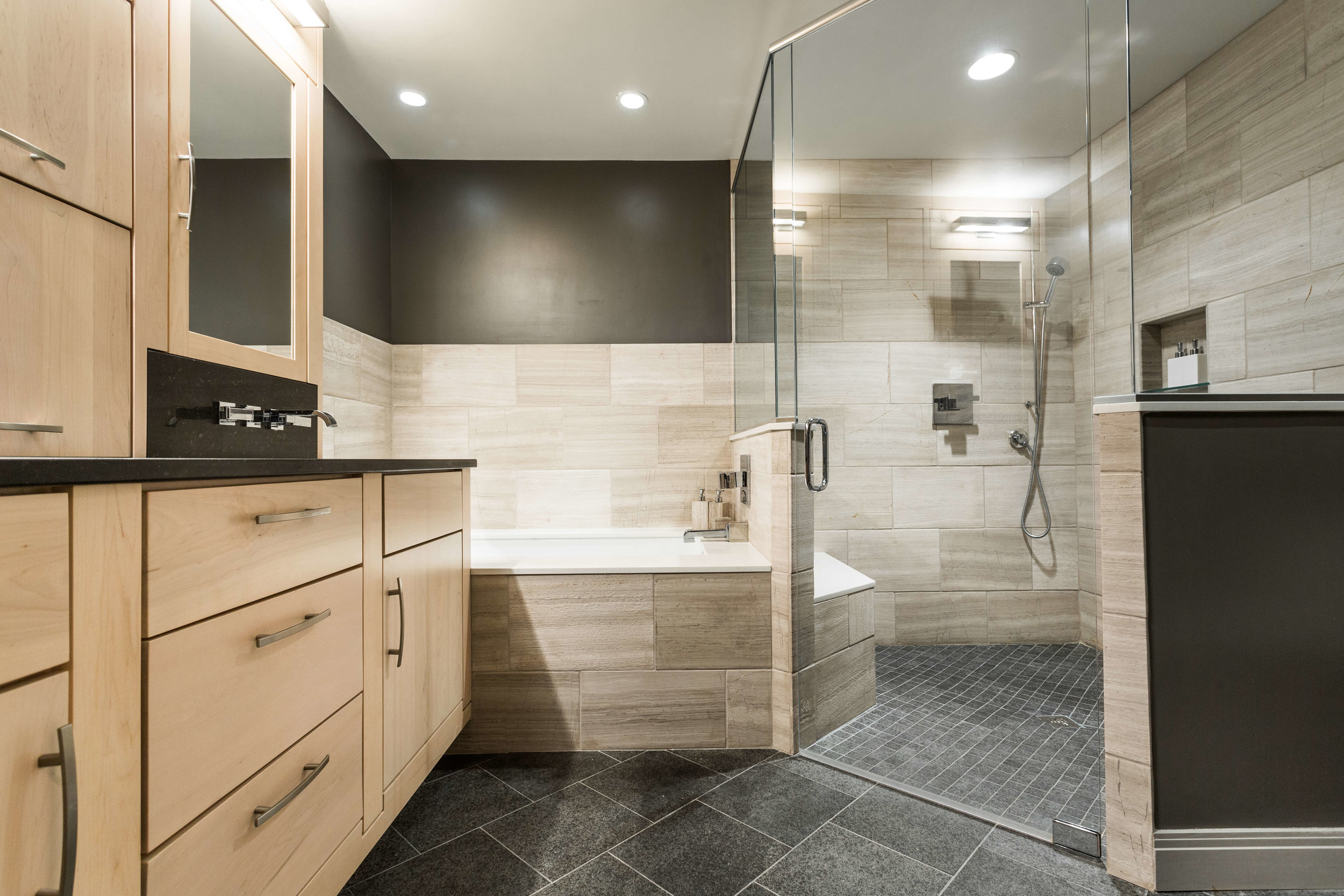 Modern Bathroom-6.jpg