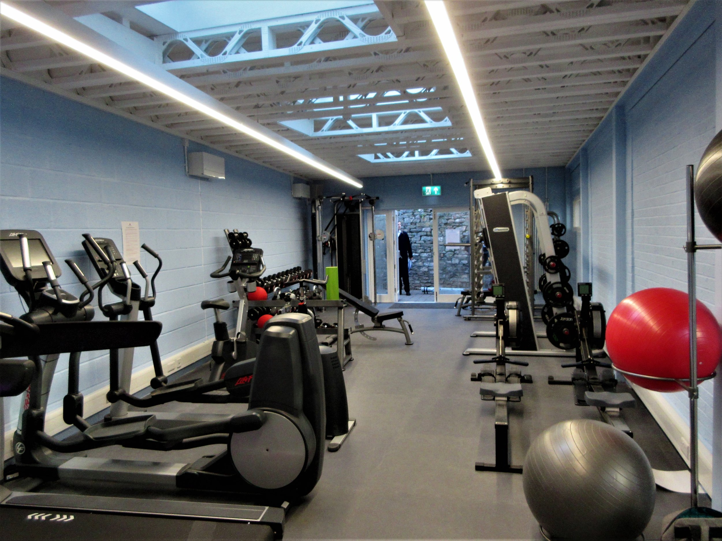 fitness room clifton high.jpg