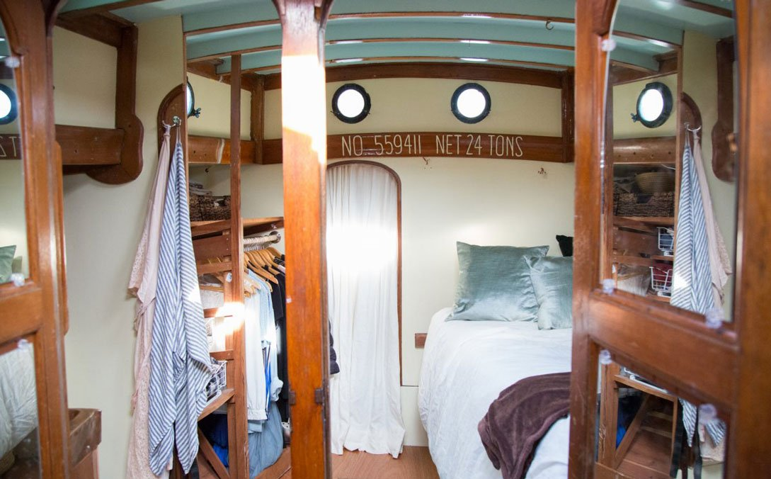 What It's Actually Like To Live On A Sailboat.jpg