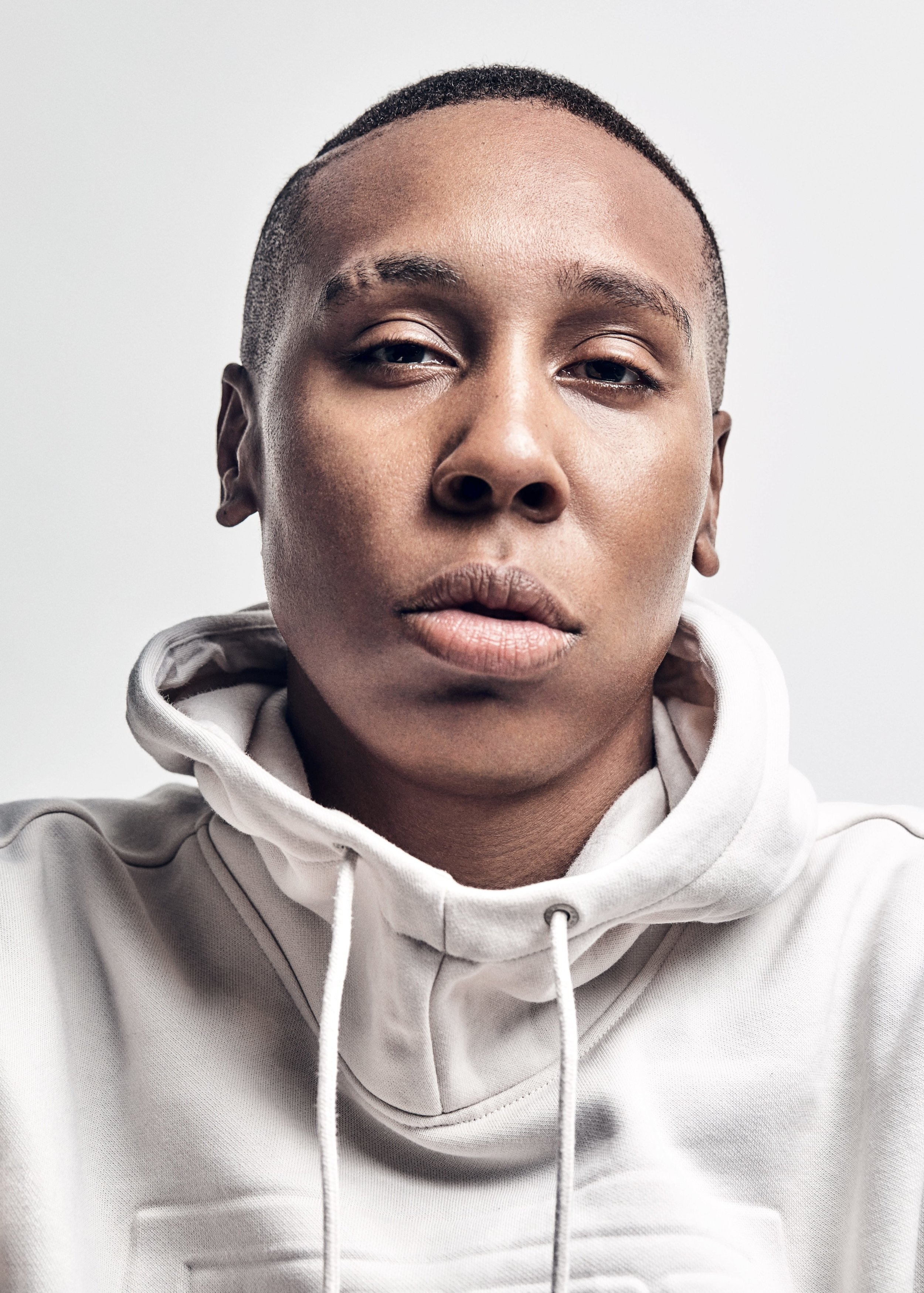 180821_05_AS_LENA_WAITHE_S002_330_V2A_RGB-min.jpg