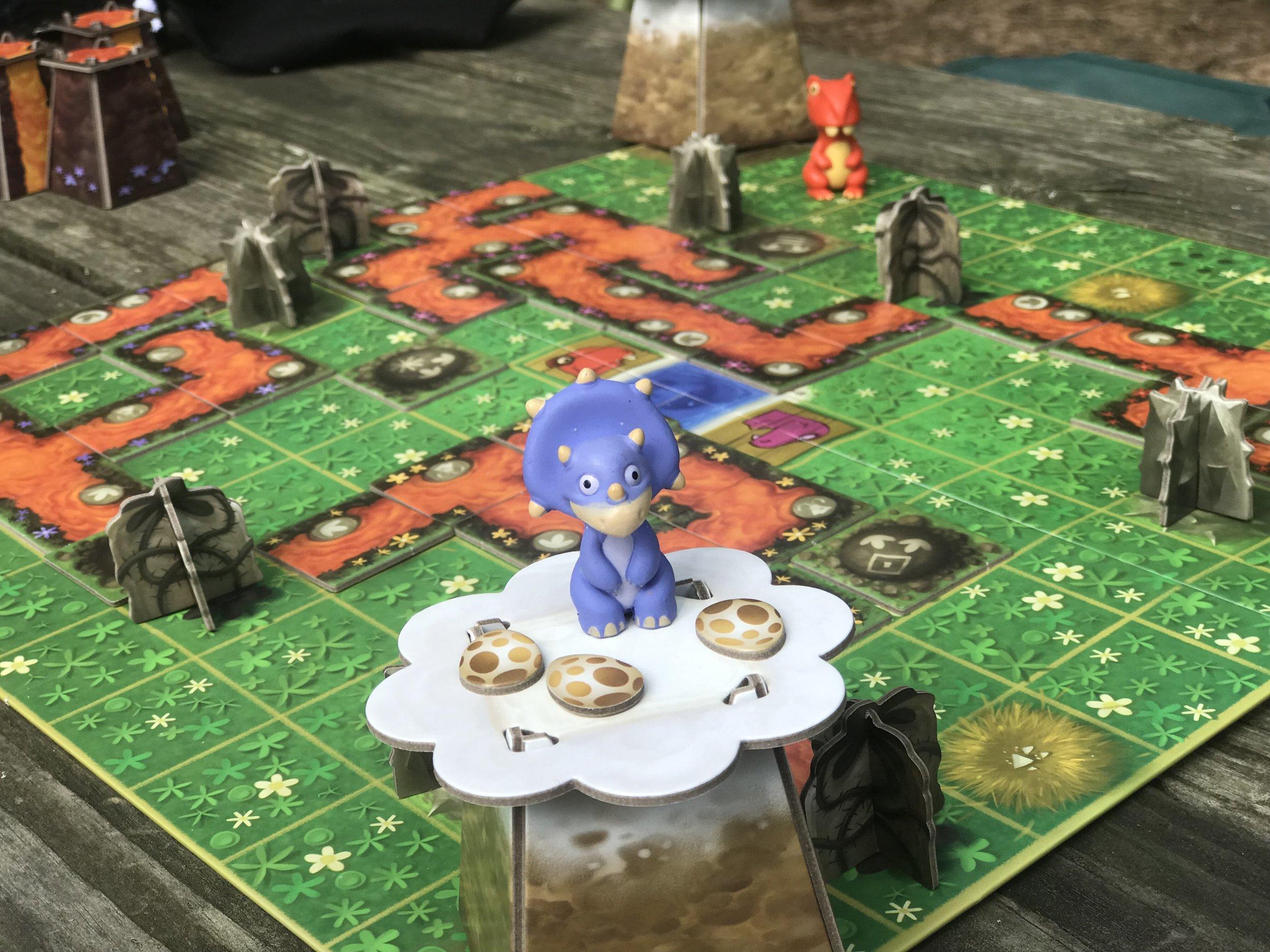 SOS Dino Cooperative family board game.jpg