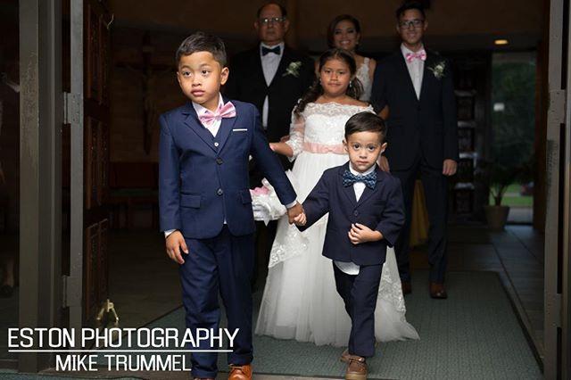 Leading the way! #weddingphotos #nola #photography #nikon #nolaphotography