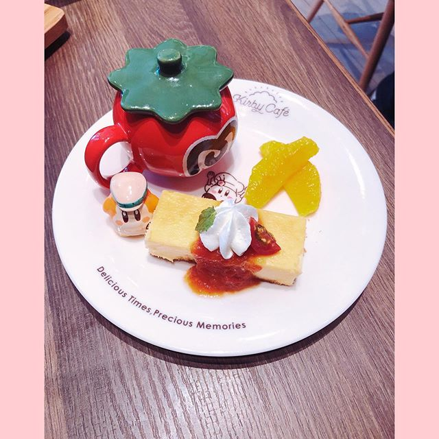The food at the Kirby Cafe is surprisingly delicious and fresh. Practically gourmet! This dessert included tomato sherbet (!) and tomato jam on a semi-savory cheesecake. And we got to keep the plate! More food photos coming soon, @fingerhuts 😊 #kawaiivibes #kawaii #kirby #kirbycafe #japan #cutefood