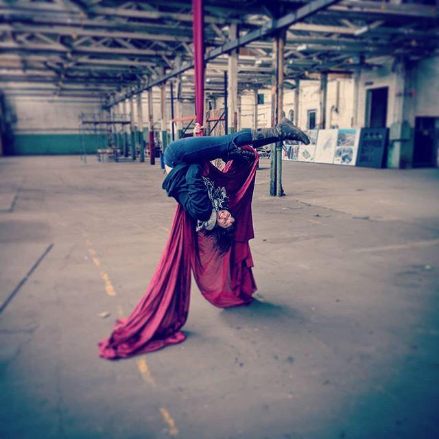 ❤Home Sweet Home❤ Repost from @eyaanya  Testing out the freshly hung silks in the new @zabiticircus home!! Yep.. this is gonna work.  I am so freaking excited!!! #zabiti #zabiticircus #freetheforest #circusarts #circus #silks #aerialsilks #circuseverydamnday #aerialdance #denver #denvercircus #denverevents #homesweethome #immersive #immersiveart #immersivecircus #aerialfabric #aerialdance #cirqueduinsta #aerialist #rainbowmilitia