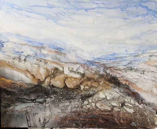 Very pleased to receive notification that tonight this work Flow 90 x 110 cm Oil and acrylic on poly cotton got a Highly Commended at the Wingecarribee Landscape prize  Bowral NSW.  Congratulations to gorgeous @robynkinsela who won the award. #landscapes #landscape #mountains #stanleystreetgallery #formstudioandgallery@gmail.com #exhibition #bowral #skies #blieskies