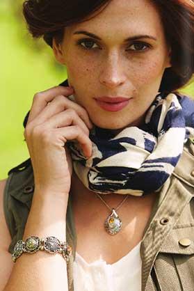 Ginger-Snaps-Bracelet-and-Necklace.jpg