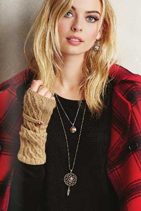 Ginger-Snaps-Gloves-and-Necklace.jpg