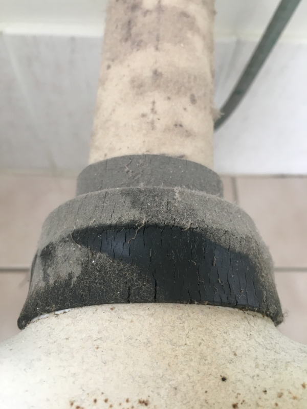 perished flush pipe rubber.jpg