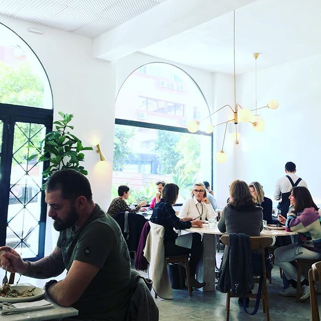 Fun Friday lunch @plus61marrakech #plus61marrakech  #morocco #marrakech #marrakechrestaurant #guelizrestaurant #instagramfood #igfoodies #passionpassport #flashesofdelight #cleaneating #cleanfood #sydneyfood #australia #freshfood