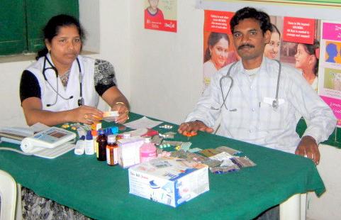 Medcical_camps_doctor_nurse.PNG