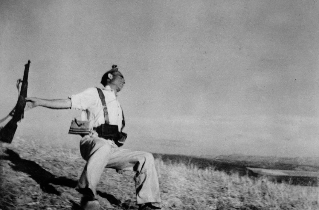 Robert Capa | Death of a Spanish loyalist militiaman. Córdoba, Spain. September, 1936.  © International Center of Photography. © Robert Capa © International Center of Photography