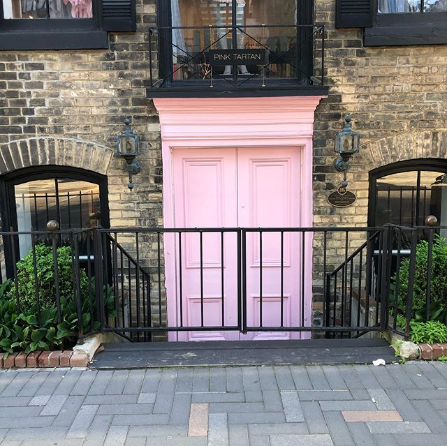 Pink door? Yes please!