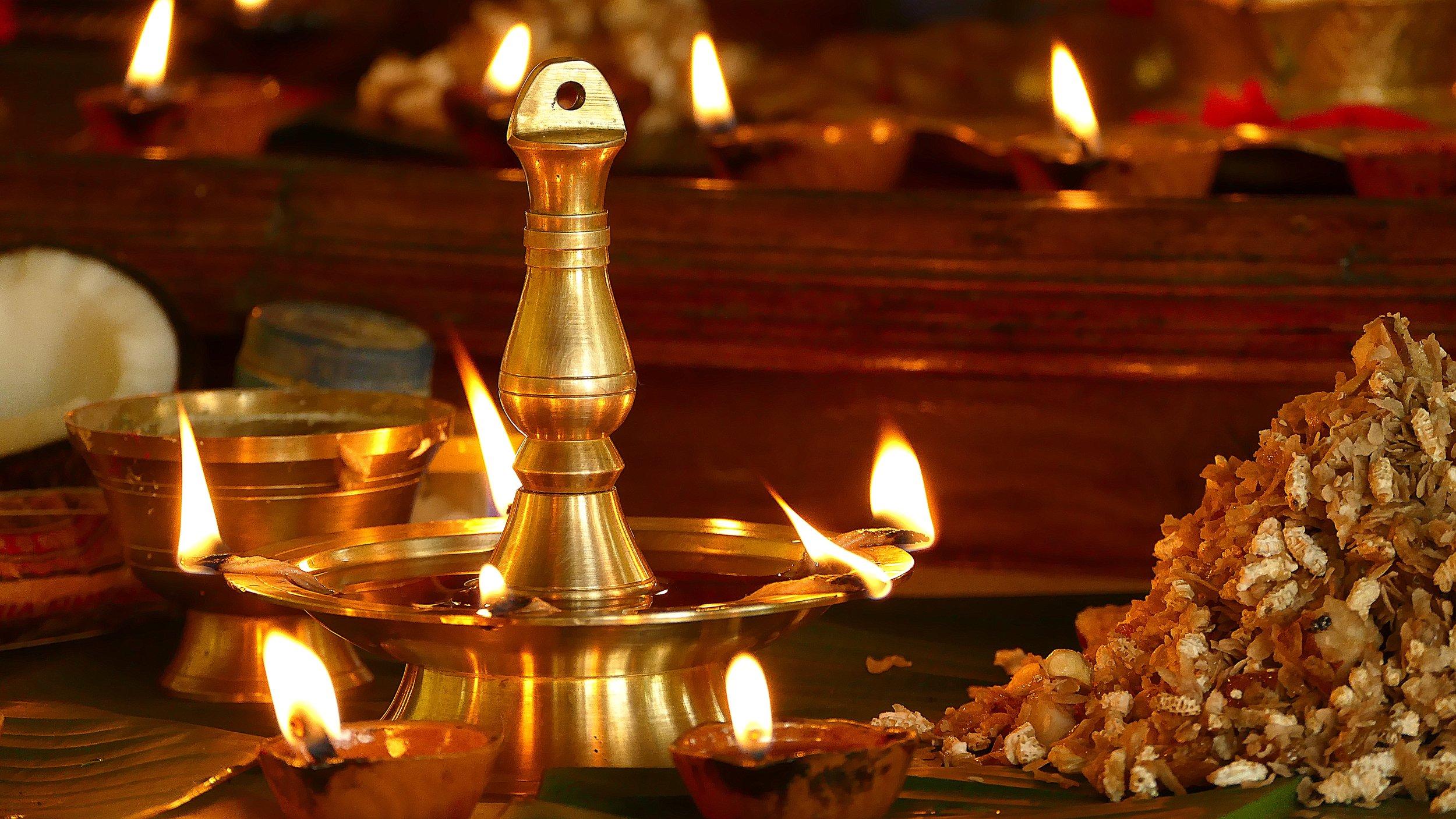 Lampe à Huile, Cabinet Shankha