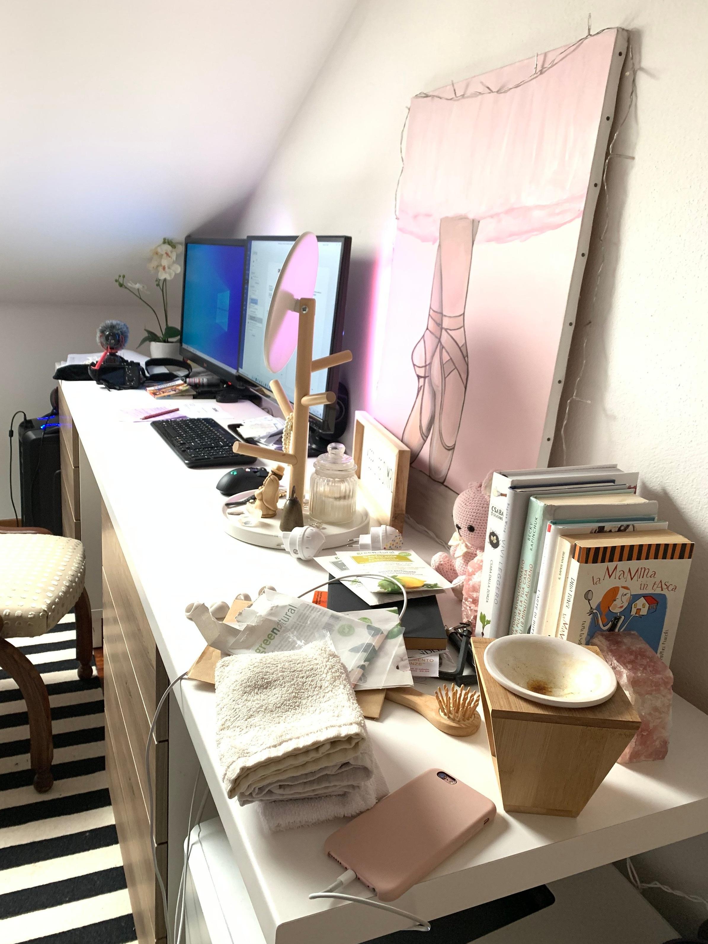 scrivania+disordine.jpg