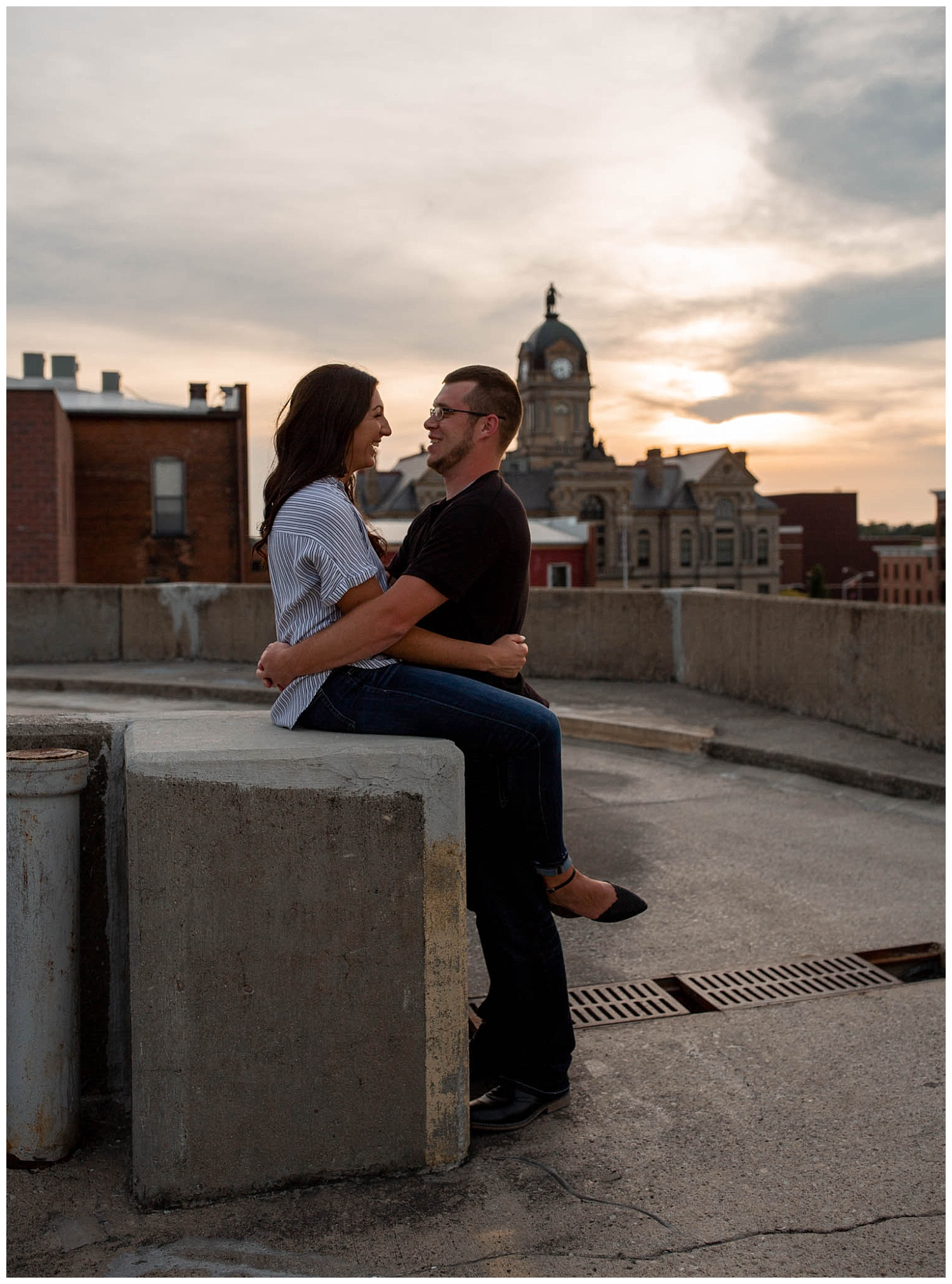 Dowtown Findlay Engagement photos. sunset parking gurage_0219.jpg