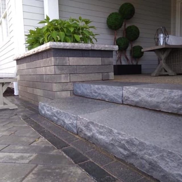A paver or concrete patio will make all the difference in your backyard. Call us to schedule a free quote; We have different tones, shapes and styles to help you create the right patio for you and to transform your outdoor living spaces.