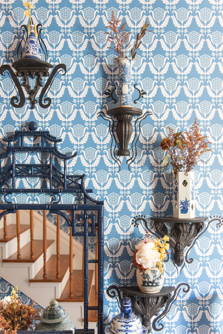 Southern Style Now Designer Showhouse 2017 Presented by Traditional Home Magazine | Savannah, GA | Interior Decor | Interior Design | Interior Decorating Ideas | Home Decor Ideas | Entryway Ideas | Wallpaper | Blue and White Entryway | Baroque Entryway