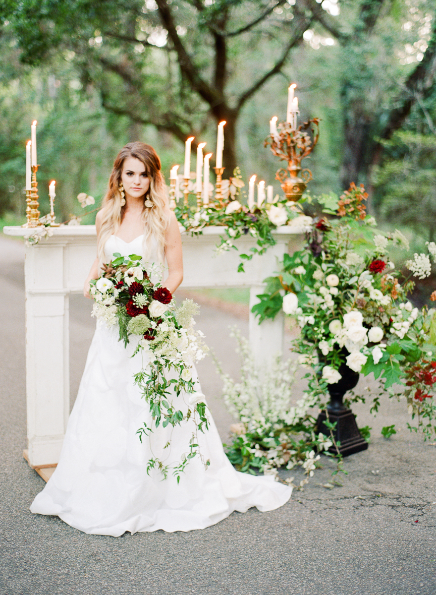 Dark and Moody Fall Wedding Inspiration   Charleston Wedding   Southern Wedding   Fall Wedding Ideas   Fall Bridal Ideas   Halloween Bride   Halloween Wedding Ideas   Lisa Blume Photography   Cheers Darling Planning   Bridal Bouquet   Wedding Flowers   Paprika Southern