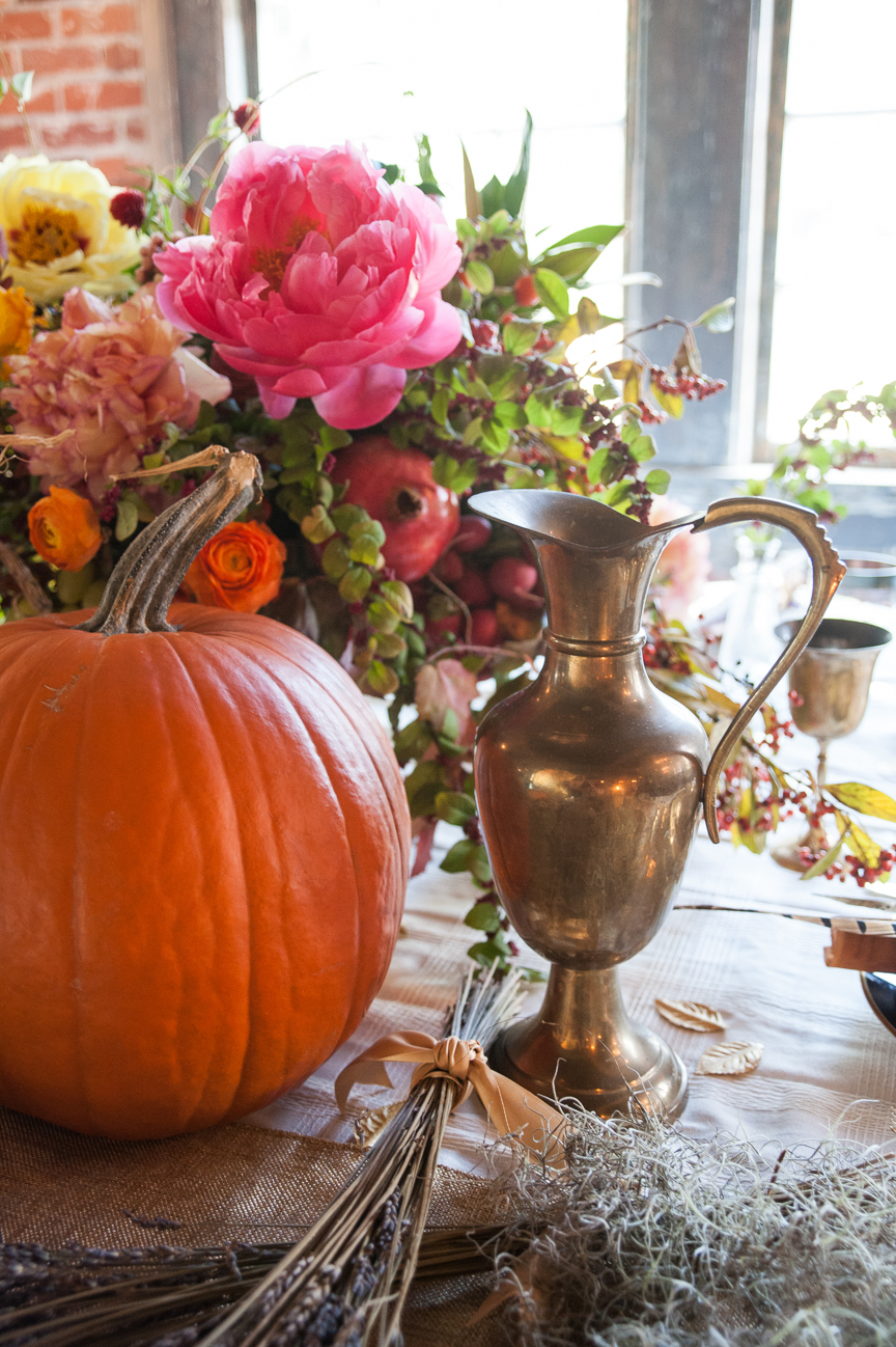 Thanksgiving Table | Thanksgiving Table Ideas | Thanksgiving Place Setting | Thanksgiving Decorations | Thanksgiving Dinner | Thanksgiving Dinner Ideas | Prop Styling | Prop Styling Ideas | Thanksgiving Tablescapes | Rustic Thanksgiving Table | DIY Thanksgiving Table | Thanksgiving Table Settings | Farmhouse Thanksgiving Table | Paprika Southern